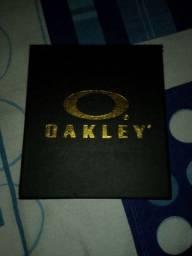 Relógio da Oakley prata