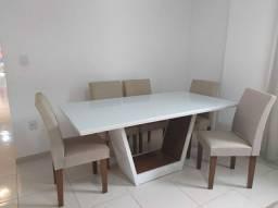Conjunto de Mesa com 6 Cadeira