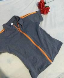 Blusa de academia cinza com zíper