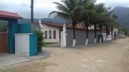 Casa em Ubatuba na Praia da Maranduba com Wi-fi gratis em Condomínio Fechado