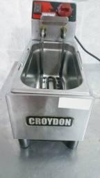Fritadeira Croydon semi nova,menos de 50% abaixo do valor da nova no mercado.