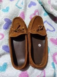 Sapato número 35, valor 50,00