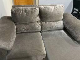 Sofá macio e confortável