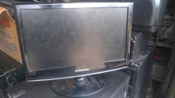 Monitor 15 polegadas funcionando