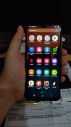 Samsung A20 semi novo