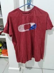Lote com 5 camisas marcas diversas