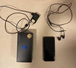 Galaxy S9 128GB com carregador, fone de ouvido e caixa originais