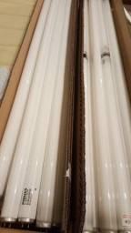 28 lâmpadas tubulares 40W e 20W 1,20 m e 0,60 m