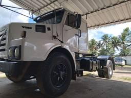 Caminhão a venda