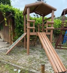 Brinquedos / playgrounds seminovos