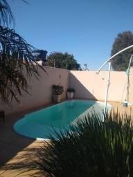Título do anúncio: Casa com piscina aceita permuta
