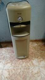 Bebedouro  220 volts  água natural ou gelada  retirar no local