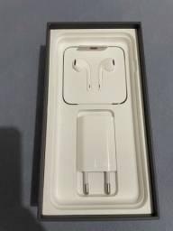 Caixa do iPhone 8 Plus com carregador e fone de ouvido todos original
