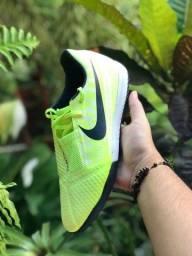 Chuteira Nike Futsal Phantom Venom Club