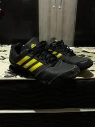 Tênis Adidas - 43