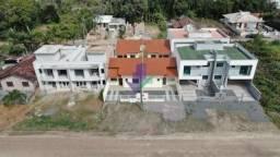 Casa com dois dormitórios a venda em Itapoá Sc