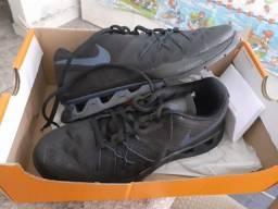 Tênis Nike Reax