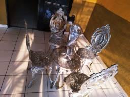 Conjunto mesa com 4 cadeiras de alumínio fundido