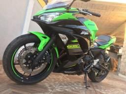 Vendo ou troco kwasaki ninja 650 2018, com apenas10 mil km rodados moto zera.