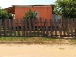 Vendo ou  Troco casa em Epitaciolândia por outra em Rio Branco