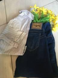 Blusa social feminina listrada e calça jeans