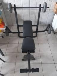 Estaçao de Musculação