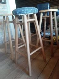 4 banquetas altas de madeira usadas em Viamão/RS