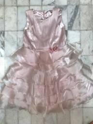Vestido rosa claro de festa com babados infantil