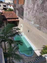 Alugo Casa TOP, 5/4 sendo 2 Suítes, c/ piscina e Salão de Festas com Churrasqueiras