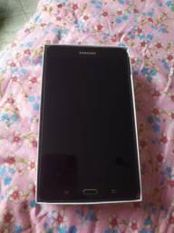 "Tablet Samsung Galaxy Tab A 2016 SM-T280 7"" 8GB black com memória RAM 1.5GB"