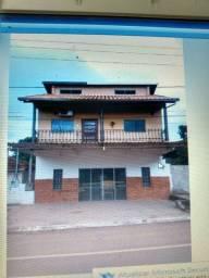 SOBRADO com salão/comércio no centro de Piraputanga-MS