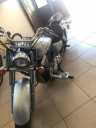 Moto Shadow 750