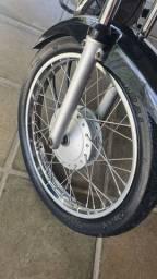 Troco por roda de liga leve da 160