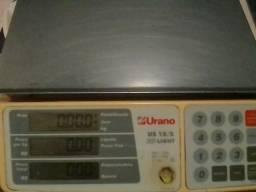 Balança urano digital com painel atrás