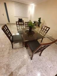 Mesa de vidro com 5 cadeiras