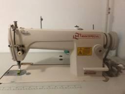 Vendo máquina de costura por 1000reais...
