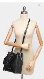 Bolsa saco Santa Lolla, com 2 alças, nova, na embalagem.