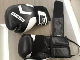Luvas de boxe, Muay Thai, Kichboxing