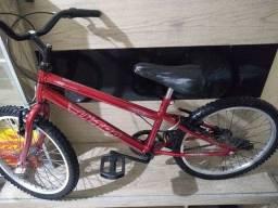 Bicicleta infantil aro 20 novinha! Top