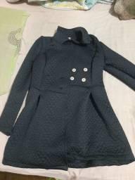 Vendo esse casaco preto novinho pouco de uso Tamanho G