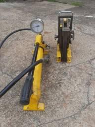 Dobradeira de barramento hidráulica