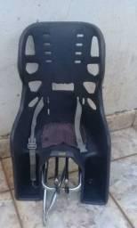 Cadeira de bicicleta com garupa (passo cartão)