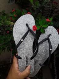 Sandálias açúcar mascavo