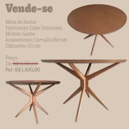 Mesa de jantar redonda usada - Modelo: Garbo - Cor: Carvalho Karnel
