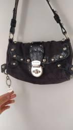 Bolsa Guess preta usada