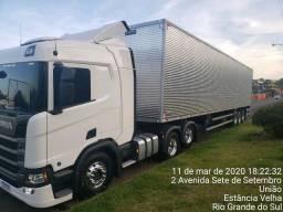 Scania R450 ano 2020 com carreta baú 2020