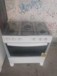 Vendo fogão de 5 bocas bem conservado 300 avista 350 no cartão