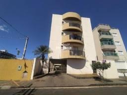 Apartamento para aluguel, 3 quartos, 1 suíte, 1 vaga, Saraiva - Uberlândia/MG