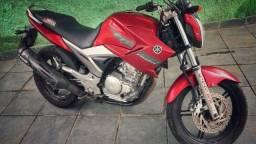 Vendo moto fazer 250 ano 2010 modelo 2011