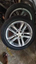 Duas rodas com pneus muito novos